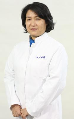 青岛市技师学院郑萍