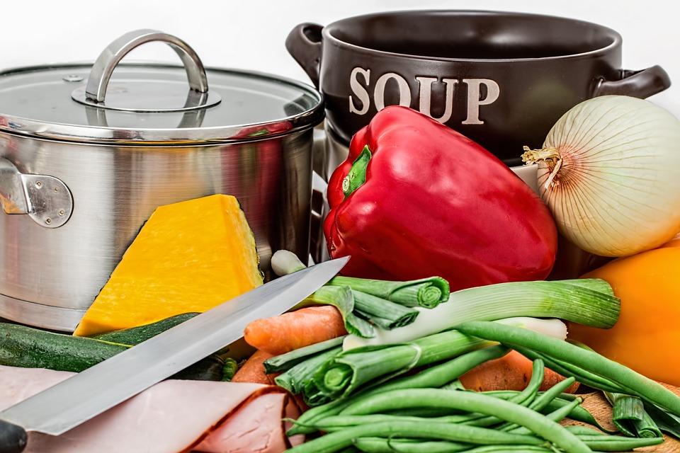 冬季煲汤的真相,中药材这样放最有效!