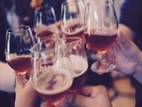春节亲朋好友聚餐,这样喝酒保证你不会醉!