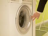 洗衣機半年不清潔,細菌、霉菌遍布!你的衣服都白洗了。。 /></a><div class=